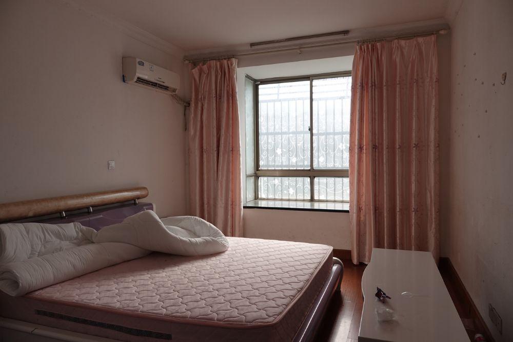 上海-奉贤区-奉城镇车站新村134号301室